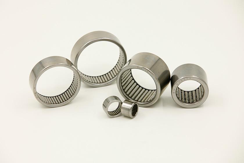 Full complement roller bearing